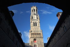 Belfort (Belfry von Brügge) an einem sonnigen Nachmittag, Brügge, Belgien Lizenzfreie Stockbilder