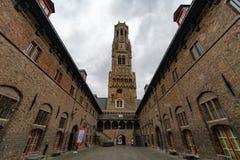 Belfried i Bruegge, forntida stad i Belgien Europa arkivbilder