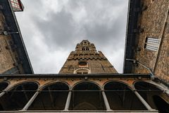 Belfried i Bruegge, forntida stad i Belgien Europa royaltyfria foton