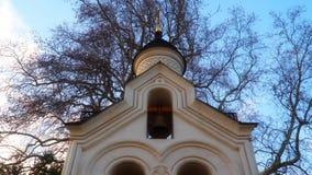 Belfry in der heiligen Querkirche in Livadia-Palast stock video