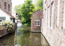 Belga Bruges starzy domy na kanale Zdjęcie Stock