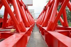 Belägga med metall strukturen av konstruktion för brokranen i konstruktionssi Royaltyfria Foton