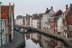 belgien Brügge Alte Stadt, Kanal und historisches Gebäudefoto Lizenzfreies Stockbild