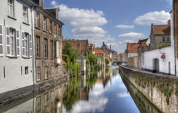Belgien bruges kanal arkivfoton
