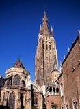 Belgien bruges kyrklig spire royaltyfri foto