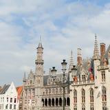 Belgien bruges marknadsfyrkant Arkivbild