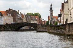 Belgier-Brügge-Wasserstraßen in der alten Stadt Stockfotografie