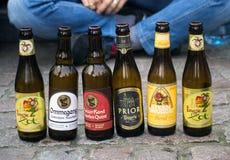 Belgische bierflessen in Brugge Stock Afbeeldingen