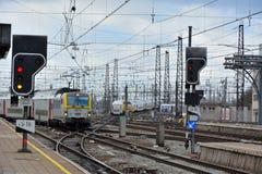 Belgische Züge, Trainstation Lizenzfreie Stockfotografie