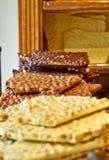 Belgisk choklad - som är brun med tokigt och vitt royaltyfria foton