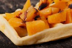 Belgiska dillandear med stycken av aprikons Arkivfoton