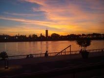 Belgrad-Sonnenuntergang, Fluss Sava, Belgrad-Ufergegend Stockfotos