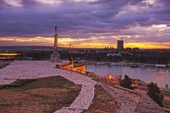 Belgrade capitol av Serbien, sikt från den Kalemegdan fästningen royaltyfri fotografi
