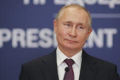 Belgrade Serbien - Januari 17, 2019: Vladimir Putin presidenten av rysk federation i presskonferens på slotten av Ser arkivfoton