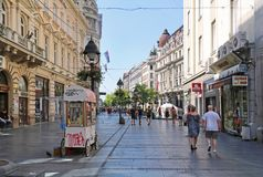 Belgrade som går gatan under sommar Royaltyfri Bild