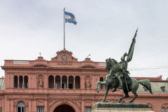 Belgrano General Casa Rosada Argentina. The equestrian bronze statue of Belgrano General in front of Casa Rosada building with a large argentinian flag, Buenos Stock Images