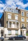 Жилая ария Belgravia Роскошное свойство в центре Лондона Строка периодических зданий стоковые изображения rf