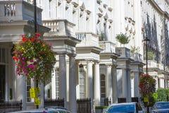 Жилая ария Belgravia Роскошное свойство в центре Лондона Строка периодических зданий стоковое изображение