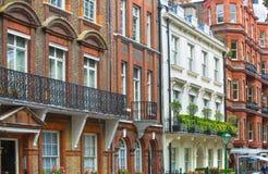 Жилая ария Belgravia Роскошное свойство в центре Лондона Строка периодических зданий стоковые изображения
