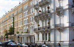 Жилая ария Belgravia Роскошное свойство в центре Лондона Строка периодических зданий стоковое фото rf