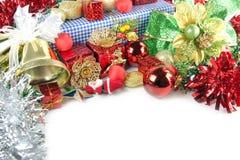 Belhi dorate e decorazioni accessorie del giorno di Natale. Fotografie Stock Libere da Diritti