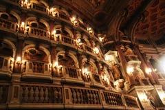 Belichtete Balkone eines Theaters in Mantova, Italien Lizenzfreies Stockfoto
