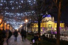 Belichtete Baumgasse in Zagreb Stockbilder