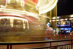 Belichtete fröhliche gehen Runde in San Francisco - lange Belichtung stockbilder