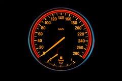 Belichteter Geschwindigkeitsmesser stockfotografie