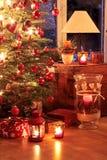 Belichteter Weihnachtsbaum Stockfoto