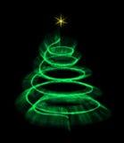 Belichteter Weihnachtsbaum lokalisiert mit einem Stern Stockbilder