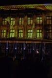 Belichtetes Haus am hellen Festival Stockfotografie