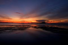 Belitungs-Sonnenuntergang - die dunkelste Stunde 3 stockbilder