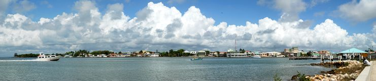 Belize-Stadt-Panorama stockfotos