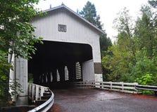 Belknap-überdachte Brücke Stockfotografie