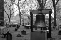 Bell d'espoir près du site de World Trade Center Photos stock