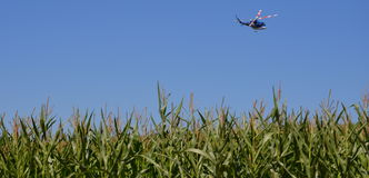 Bell 412 dans l'action images libres de droits