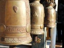 Bell dourada no templo budista, Tailândia Fotos de Stock