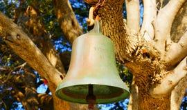Bell em Ekklisia Agios Ioannis Chapel, Skopelos, Grécia imagem de stock