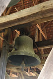 Bell en Axente separa la iglesia en Frauendorf, Rumania Fotos de archivo libres de regalías