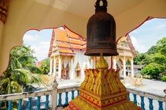 Bell en el templo budista Wat Wichit Songkram imágenes de archivo libres de regalías