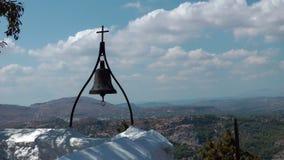 Bell et croix banque de vidéos
