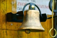 Bell für Verkauf in der alten Stadt Prag, Tschechische Republik lizenzfreie stockfotografie