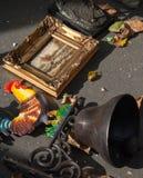 Bell mit Brandhahn und Meerblick an der Flohmarkt. Stockfotos