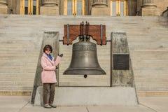 Bell na krokach Idaho stanu Capitol budynek fotografia royalty free