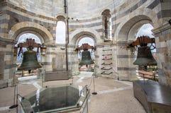 Bell na torre de Pisa, Itália Imagens de Stock