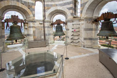 Bell na torre de Pisa, Itália fotos de stock