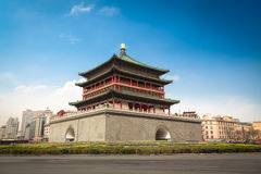 Xian sätta en klocka på står hög i centrera av den forntida staden Arkivbild