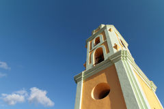 The bell tower and blue skies Royalty Free Stock Photos