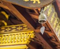 Bell w buddist świątyni obraz stock